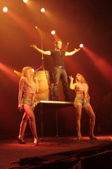 Le performer Eric Borner offre aux spectateurs venus de toute la France des numéros époustouflants