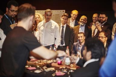 team building, seminaire et galas de prestige en france, quebec, belgique et suisse romande recommande le magicien professionnel eric borner