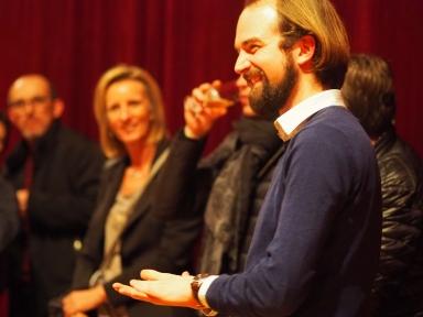 magicien de close-up Eric Borner sa magie est idéale lors des soirées privées , réceptions , mariages , anniversaires , CE et toutes autres occasions. De l'originalité , une pointe d'humour ...