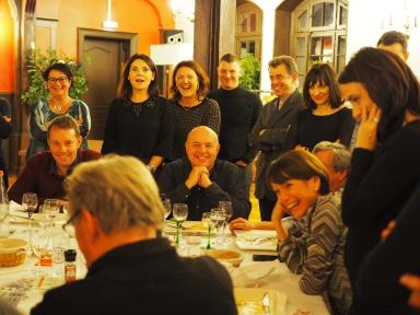 Eric Borner de table en table, de groupe en groupe, en cocktail, le magicien d'Alsace poétique créera l'illusion